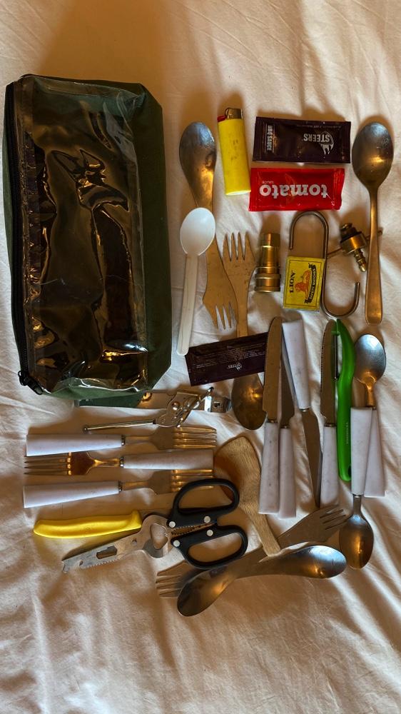Cutlery_toiletry_bag_5